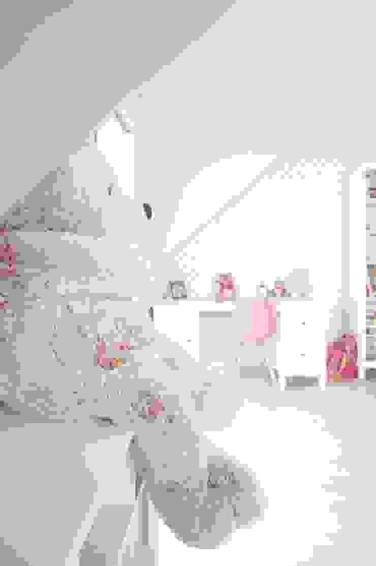 Dom jednorodzinny, Sokółka Nowoczesny pokój dziecięcy od Anna Wrona Nowoczesny