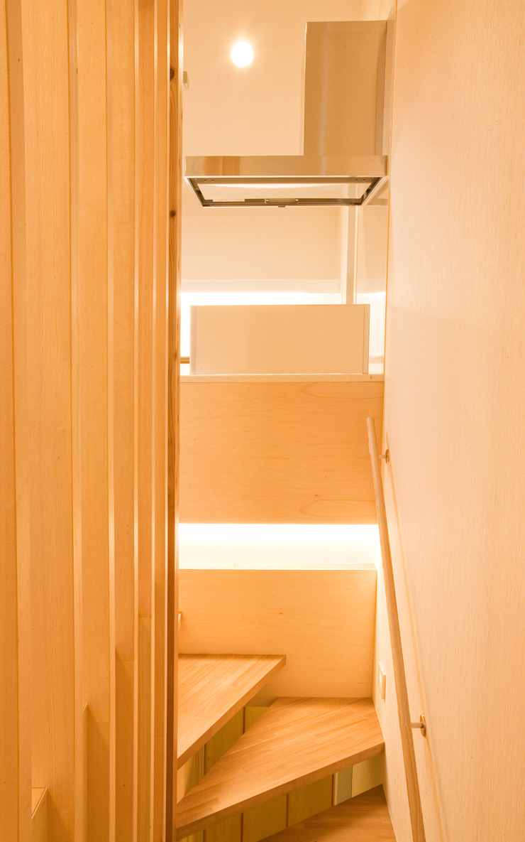 西新井N邸 モダンスタイルの 玄関&廊下&階段 の 株式会社STN建築工房 モダン