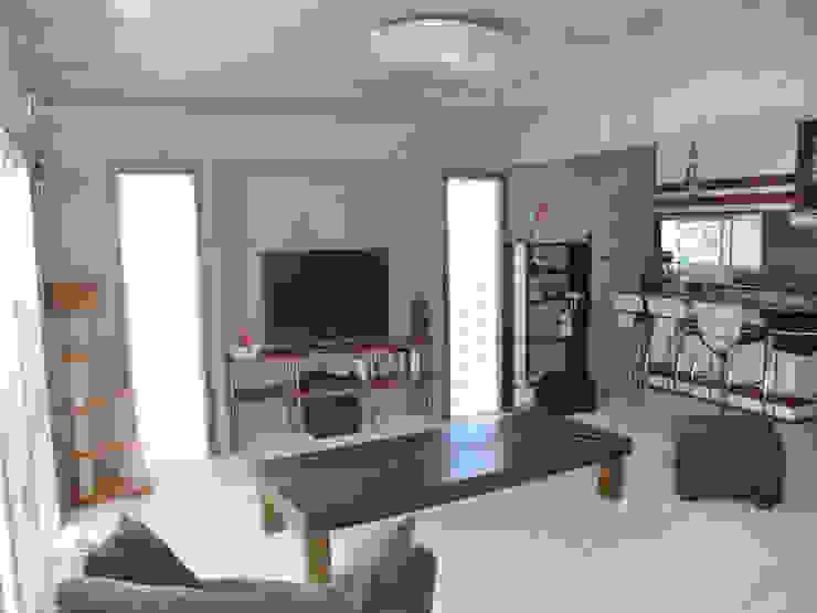 (株)スペースデザイン設計(一級建築士事務所) ห้องนั่งเล่น