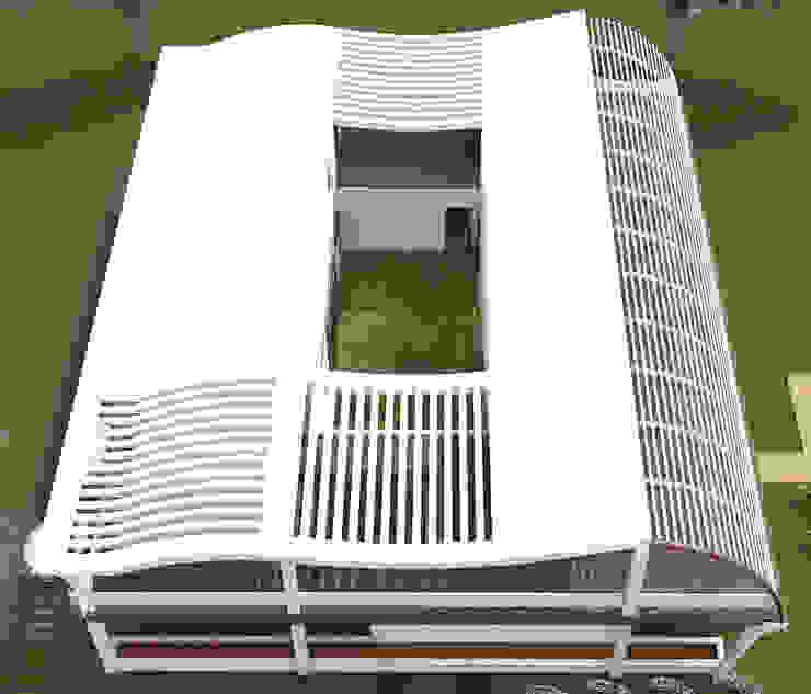 Roof. Modern houses by Kay Studio Modern