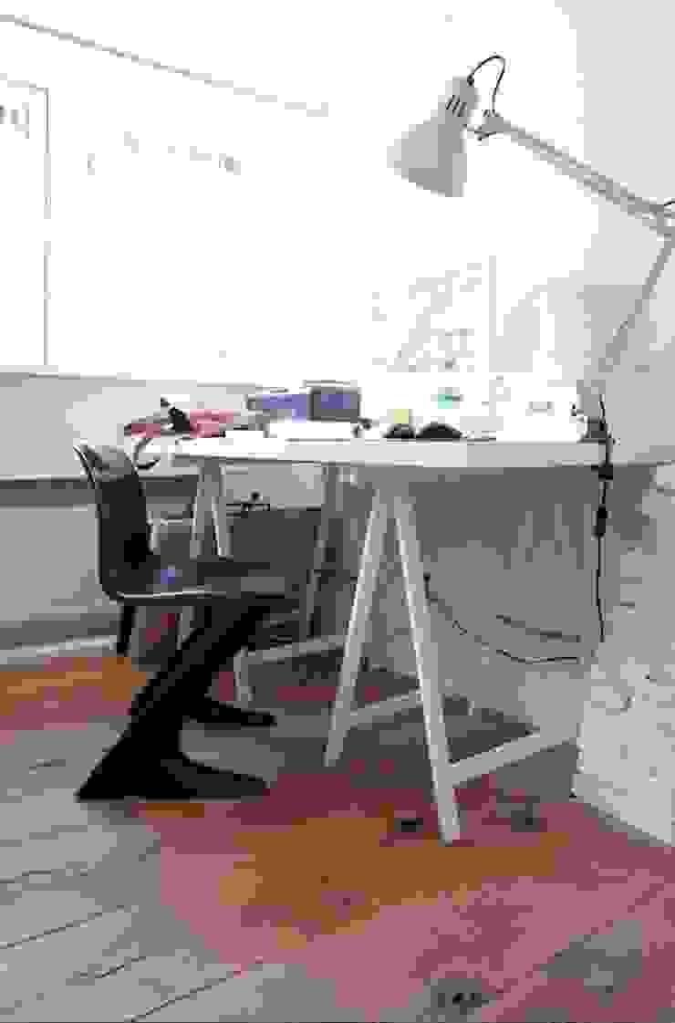 Werkkamer Moderne studeerkamer van ontwerpplek, interieurarchitectuur Modern