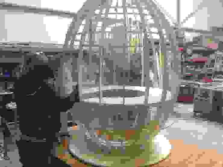 een ei in wording Moderne scholen van Delgadodesign Modern