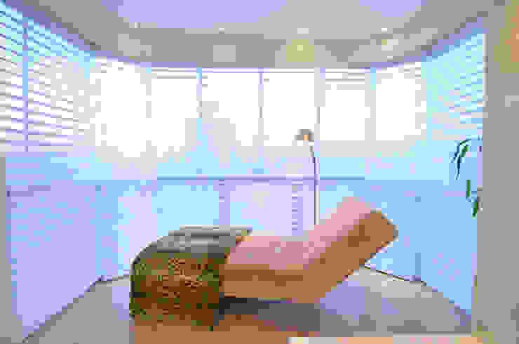 suite do casal moderno e elegante Quartos modernos por Tania Bertolucci de Souza | Arquitetos Associados Moderno