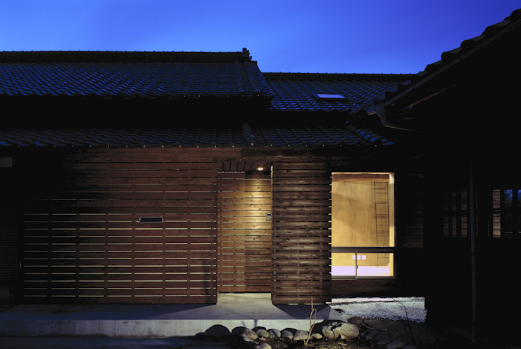 二軒屋の家 日本家屋・アジアの家 の 松本匡弘建築設計事務所 和風