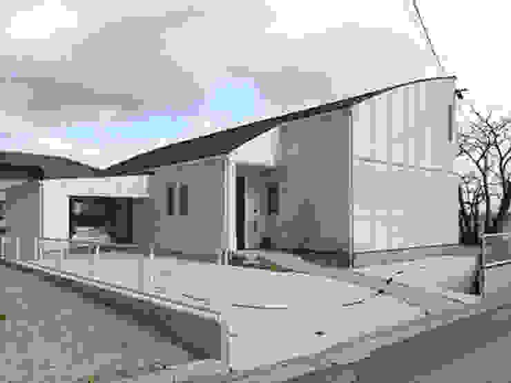 アトリエ優 一級建築士事務所 Casas de estilo ecléctico