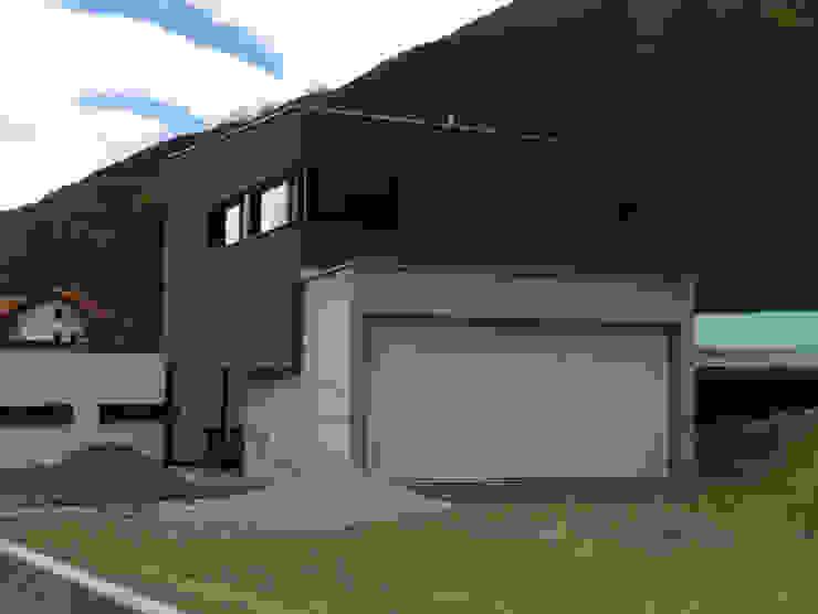 Ansicht Ost Moderne Häuser von Balzani Diplomarchitekten Modern