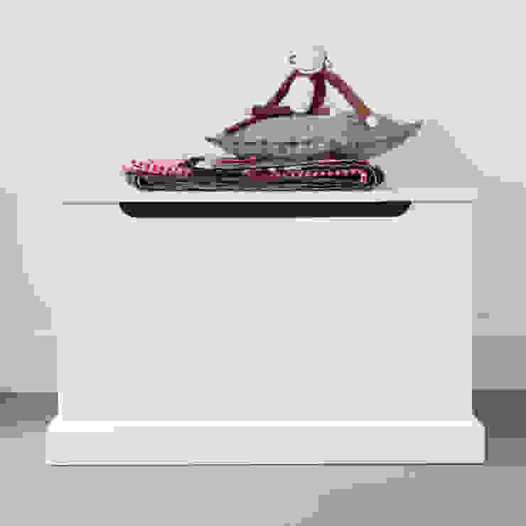 Speelgoedkist basic: modern  door Klein & Stoer, Modern
