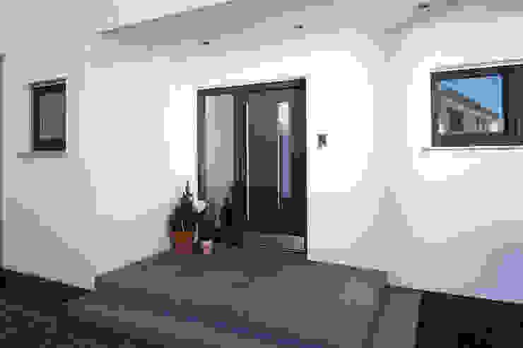 por FingerHaus GmbH - Bauunternehmen in Frankenberg (Eder) Moderno