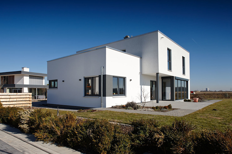 Single family home by FingerHaus GmbH - Bauunternehmen in Frankenberg (Eder), Modern