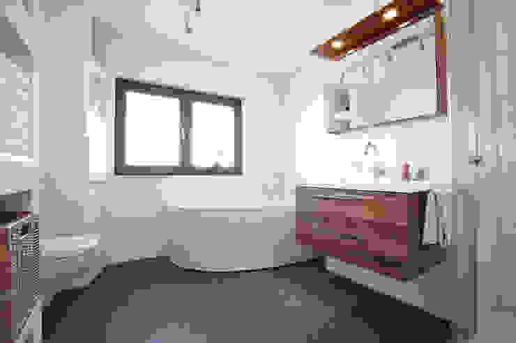 FingerHaus GmbH - Bauunternehmen in Frankenberg (Eder) Modern Bathroom