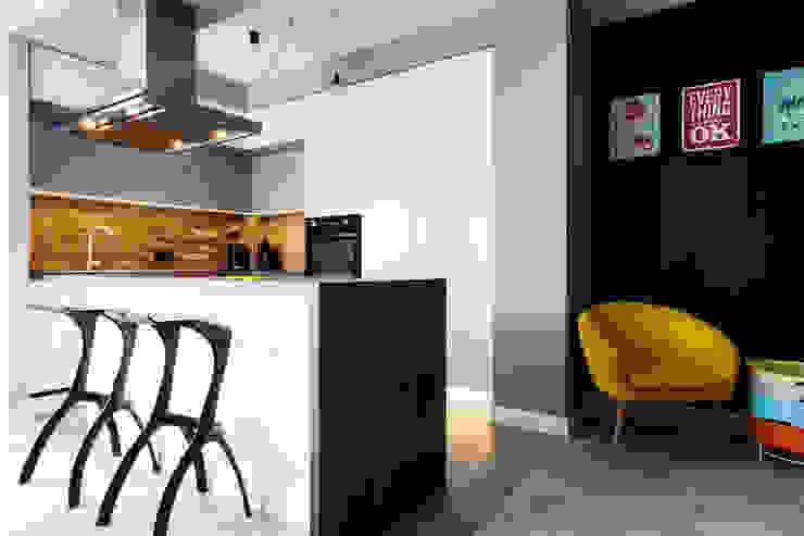 Nowoczesna kuchnia z elementami stylu loft : styl , w kategorii Kuchnia zaprojektowany przez Archikąty ,Nowoczesny