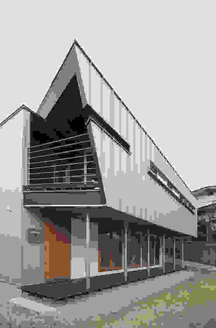 AKT モダンな 家 の かわつひろし建築工房 モダン