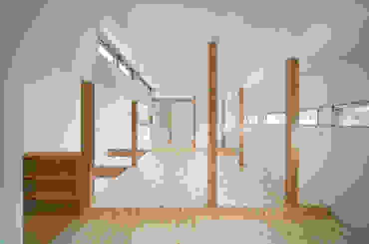 AKT モダンスタイルの寝室 の かわつひろし建築工房 モダン