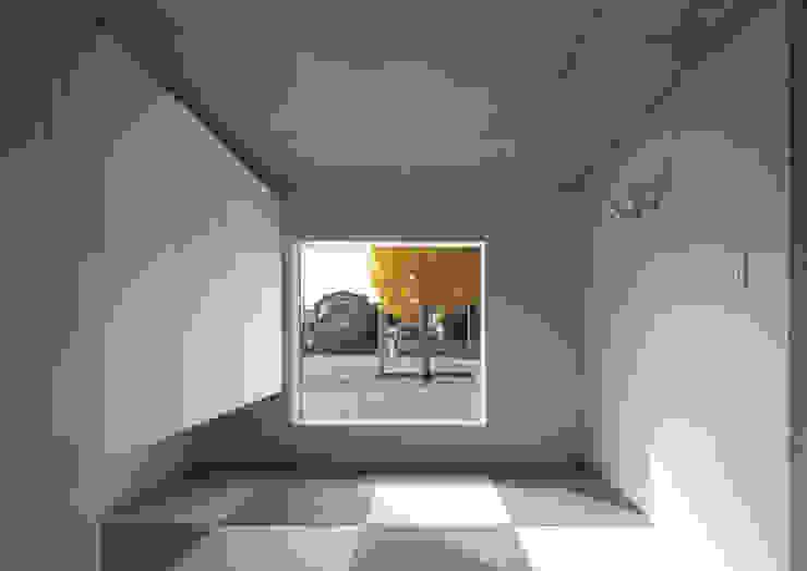 Escritórios modernos por かわつひろし建築工房 Moderno