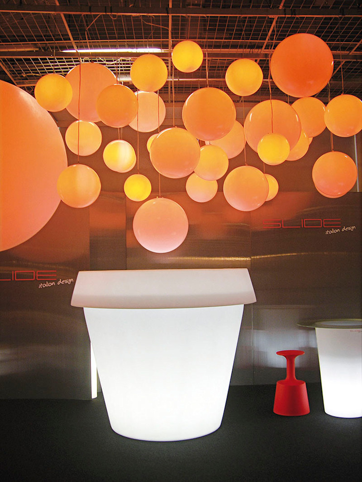 Podświetlana donica Gianto od TerraForm Nowoczesny