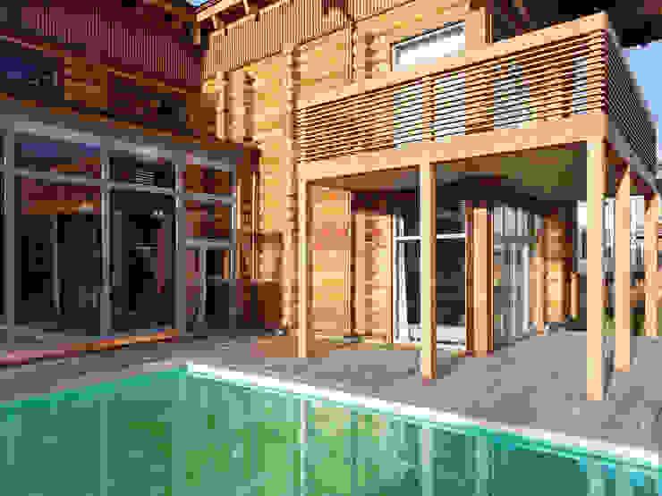 Classic style houses by NEWOOD - Современные деревянные дома Classic