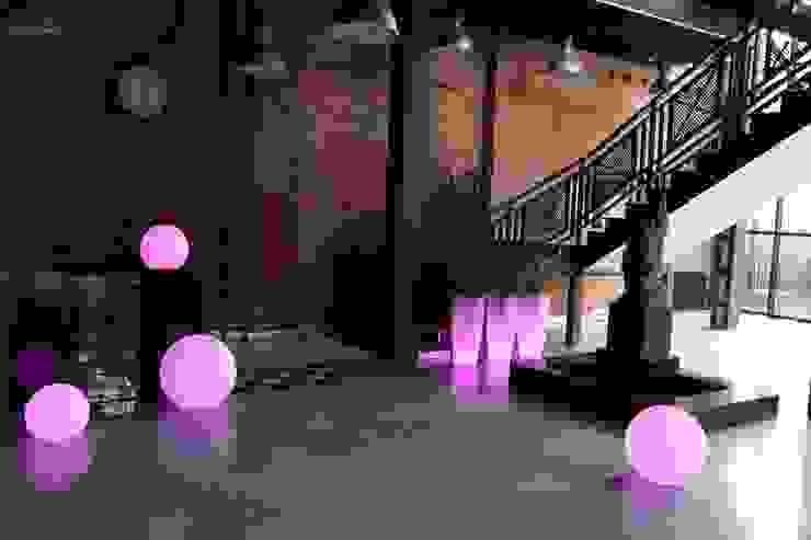 Donica podświetlana Ricola: styl , w kategorii  zaprojektowany przez TerraForm,Nowoczesny