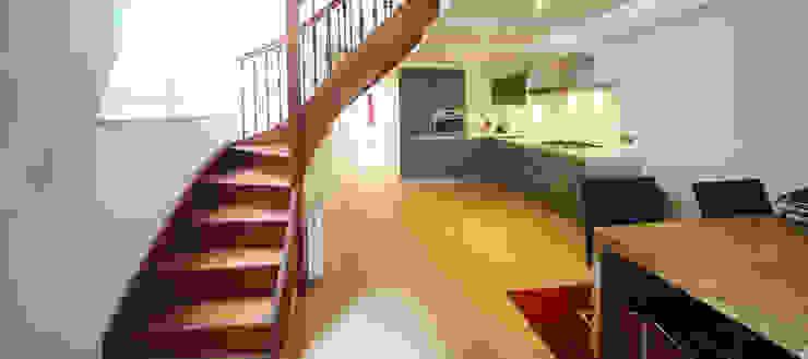 Cocinas de estilo moderno de BALD architecture Moderno