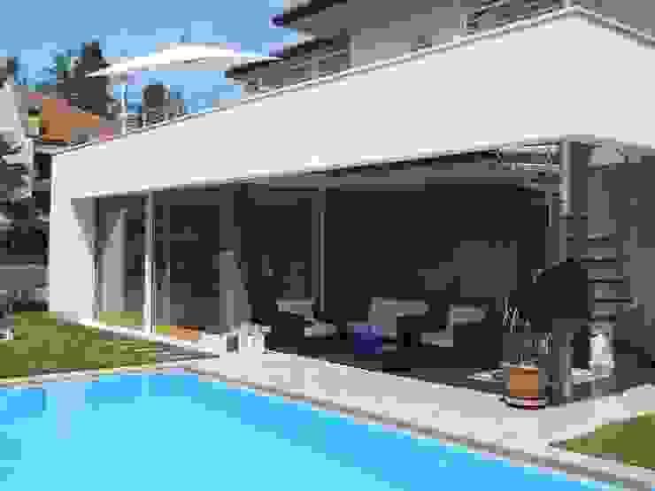 Ampliamento Villa e nuova Piscina Case moderne di Studio di Architettura Fiorentini Associati Moderno