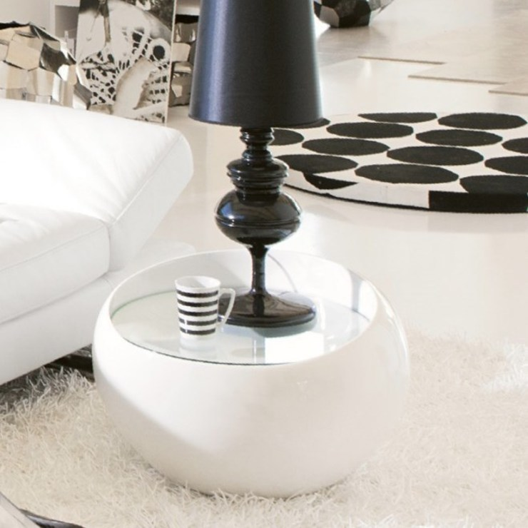 'Stone II' round side table in white gloss by Stones de My Italian Living Moderno