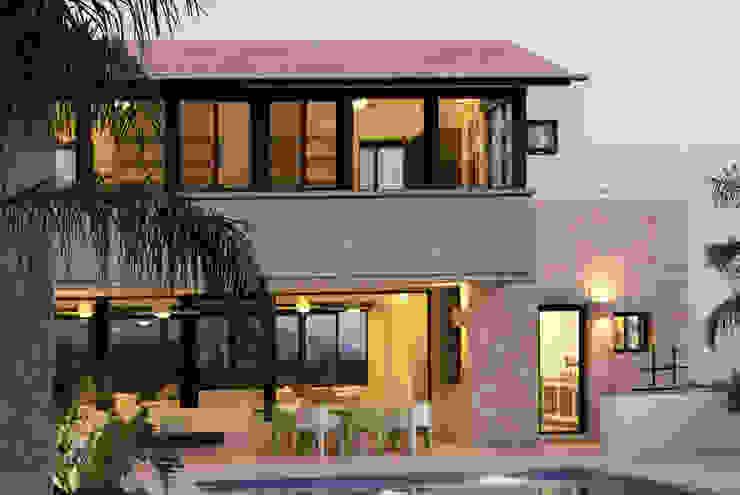 Projekty,  Domy zaprojektowane przez Boué Arquitectos, Nowoczesny