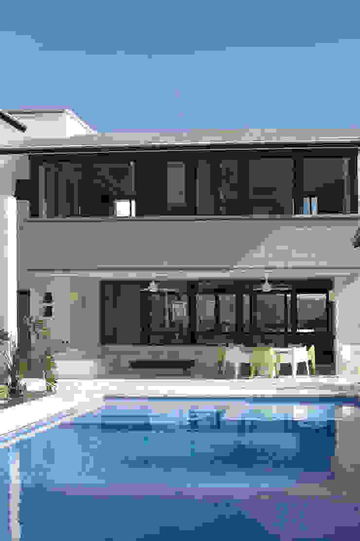 Casa Ixtapan de la Sal - Boué Arquitectos Casas de estilo moderno de Boué Arquitectos Moderno