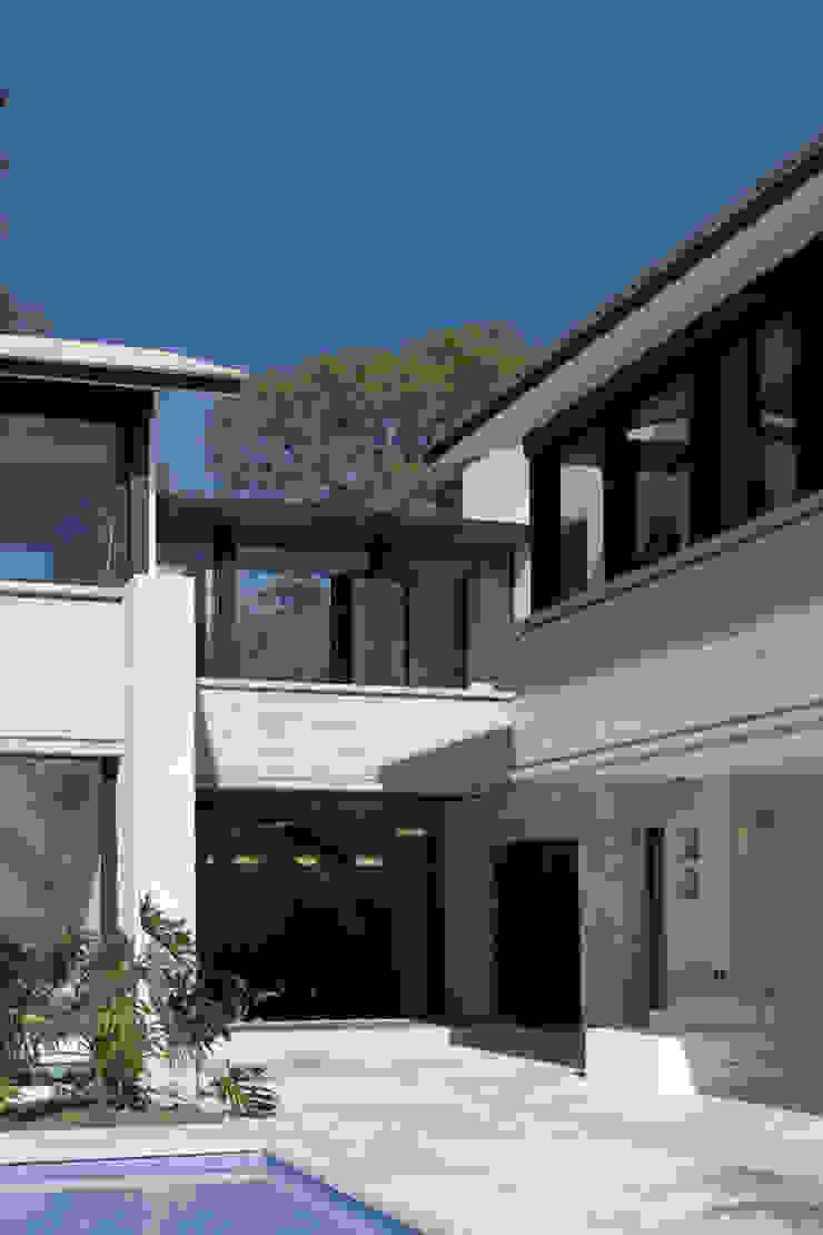 Nowoczesny balkon, taras i weranda od Boué Arquitectos Nowoczesny