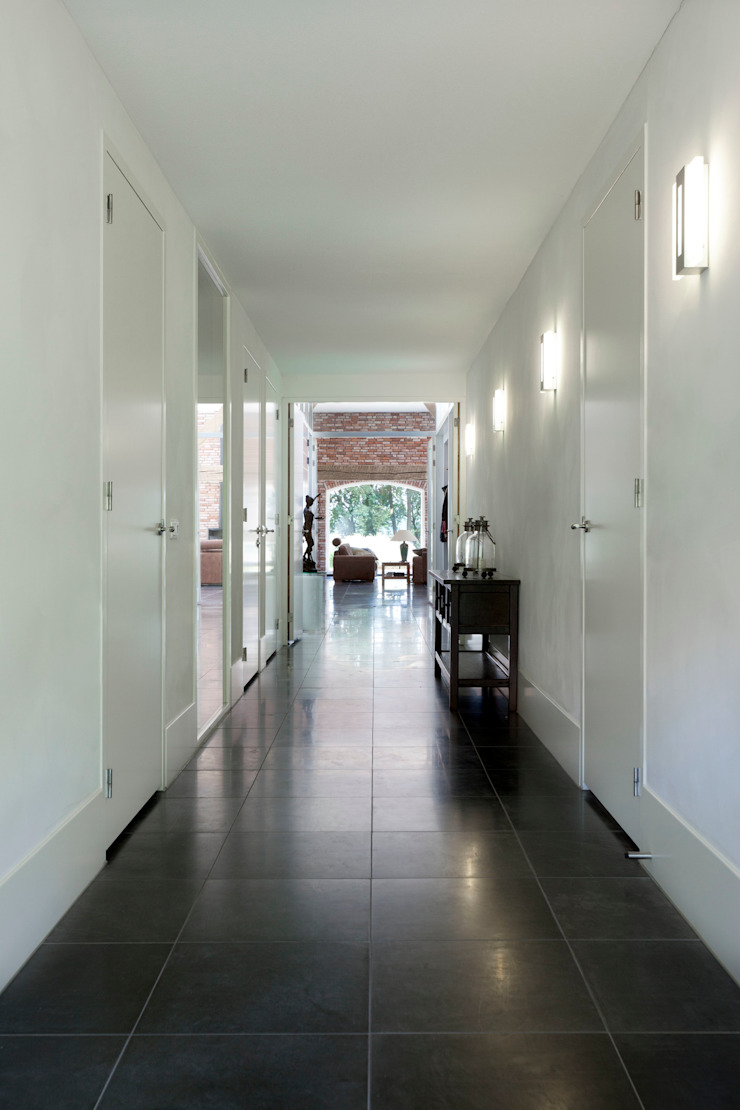 gang, nieuwe situatie: modern  door Suzanne de Kanter Architectuur & Interieur, Modern