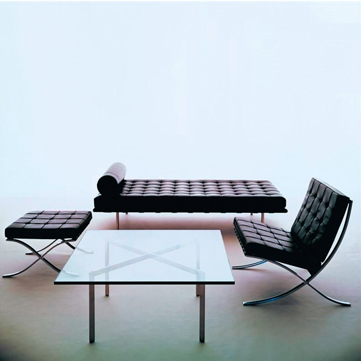 'Barcelona' Bauhaus coffee table BY L. M. Van der Rohe homify Sala de estarBancadas e bandejas