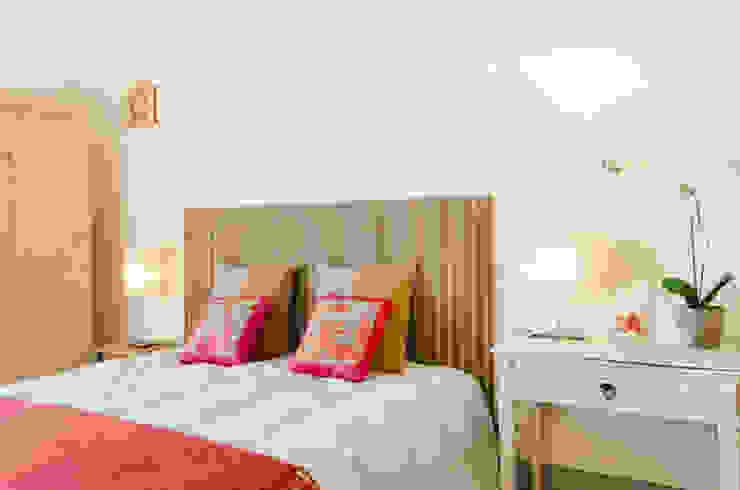 home staging casa al mare Camera da letto in stile mediterraneo di Marianna Leinardi Mediterraneo