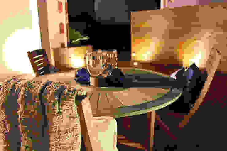TERRASSE BOIS TABLE A MANGER par monicacordova Moderne
