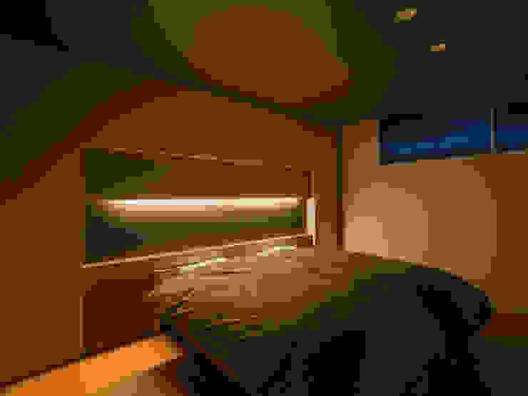 御領の家 モダンスタイルの寝室 の 末永幸太建築設計 KOTA SUENAGA ARCHITECTS モダン
