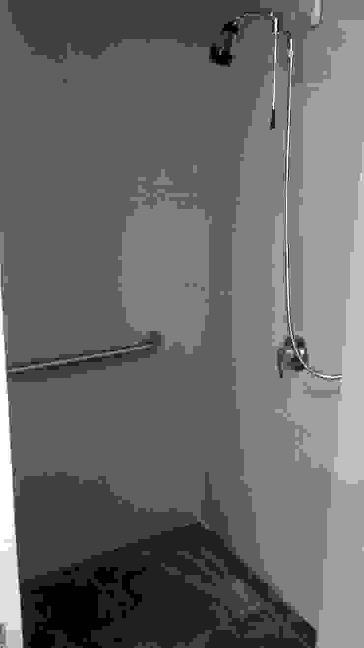 Fixing Eclectic style bathroom