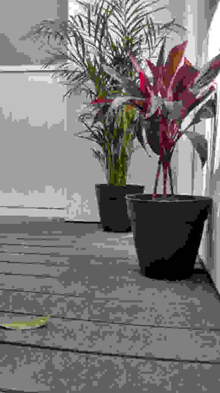 Terraza Balcones y terrazas modernos de Fixing Moderno