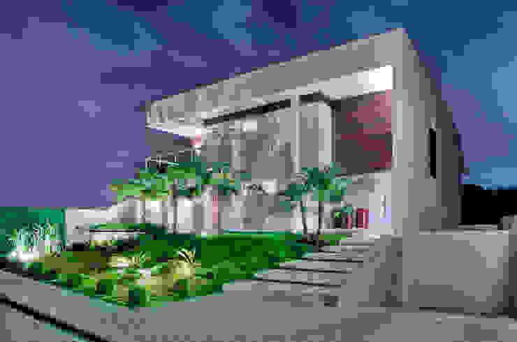 Casa Cond. Colinas de São Francisco Casas modernas por JOSIANNE MADALOSSO ARQUITETURA E INTERIORES Moderno