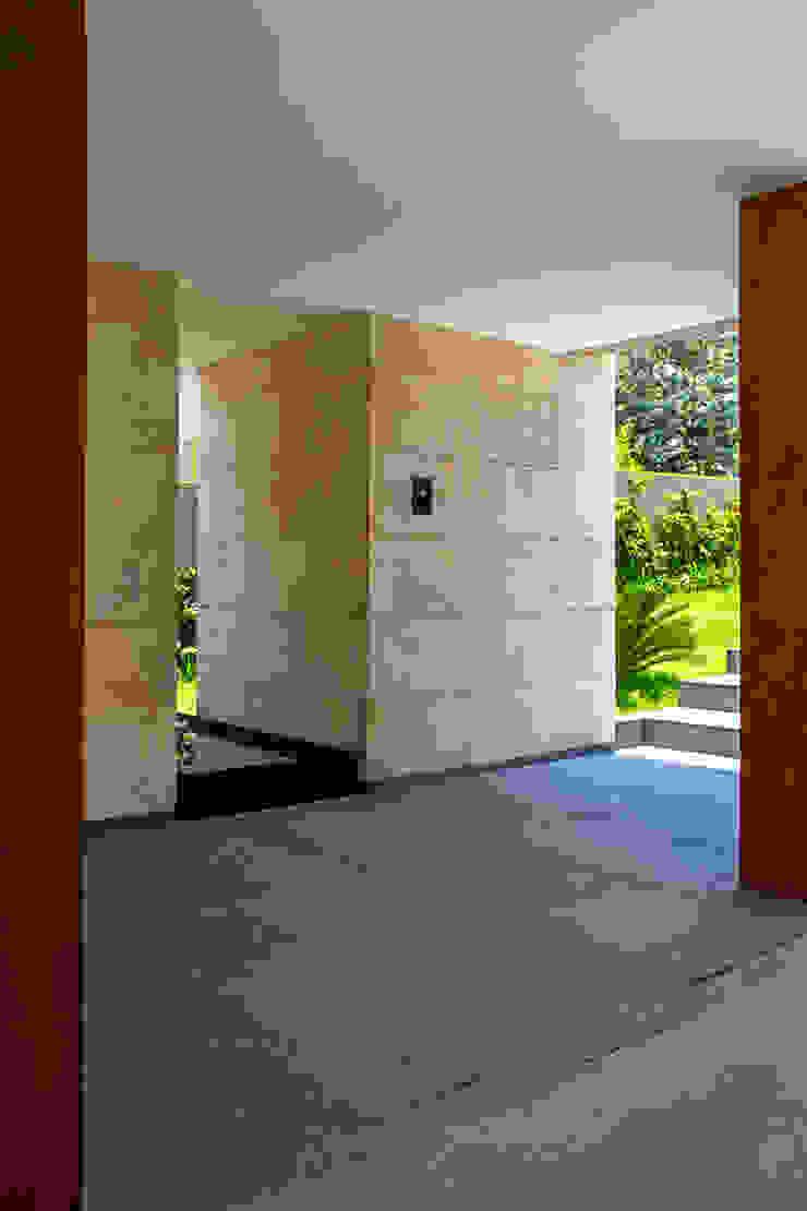 Maz Arquitectos Modern garage/shed