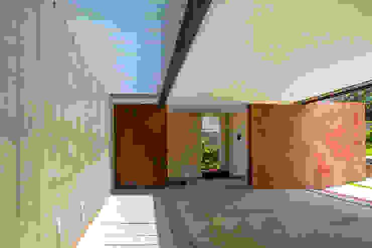 Garajes de estilo moderno de Maz Arquitectos Moderno