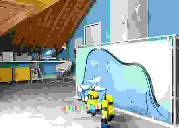 """Piano sottotetto - Kid's floor - la stanza del """"Piccolo Principe"""" Stanza dei bambini moderna di valentina bandera STUDIO Moderno"""