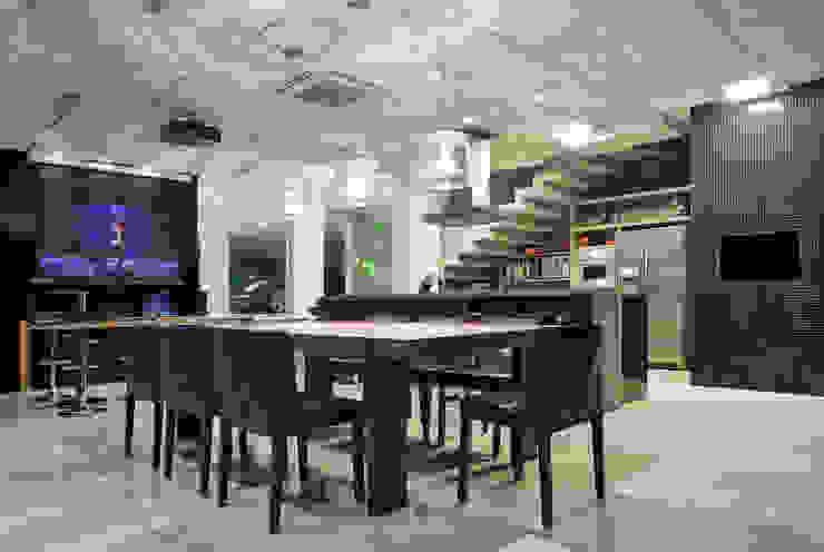 Casa Cond. Colinas de São Francisco Salas de jantar modernas por JOSIANNE MADALOSSO ARQUITETURA E INTERIORES Moderno