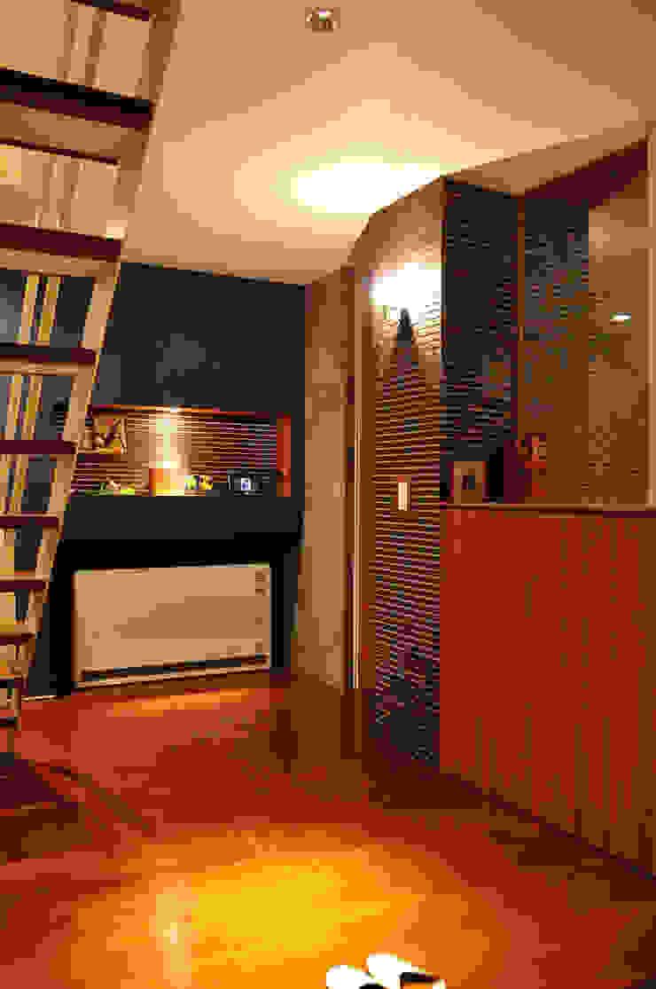 株式会社アトリエカレラ 現代風玄關、走廊與階梯