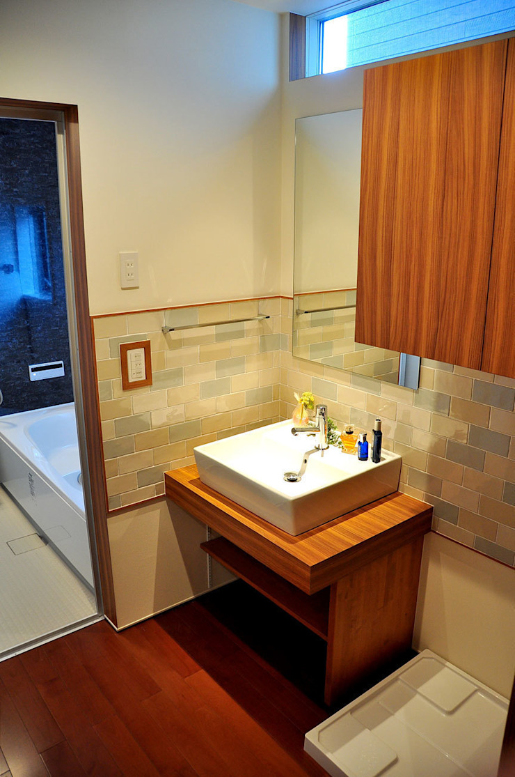 株式会社アトリエカレラ 現代浴室設計點子、靈感&圖片