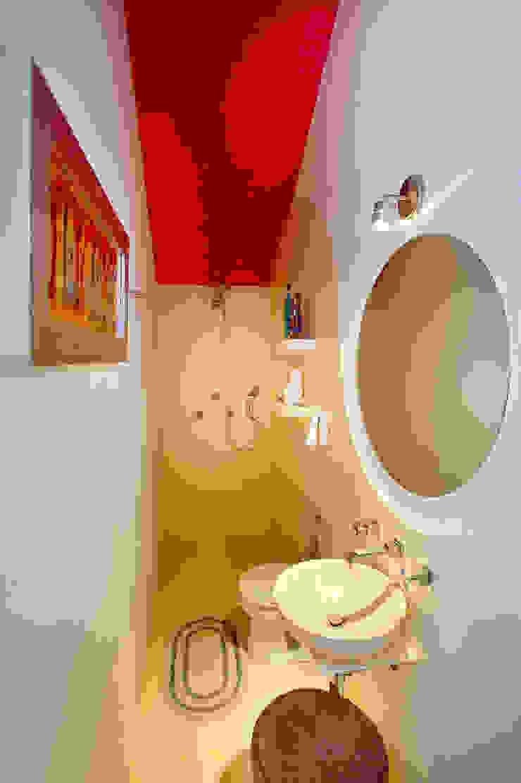 Modern style bathrooms by Taller Estilo Arquitectura Modern