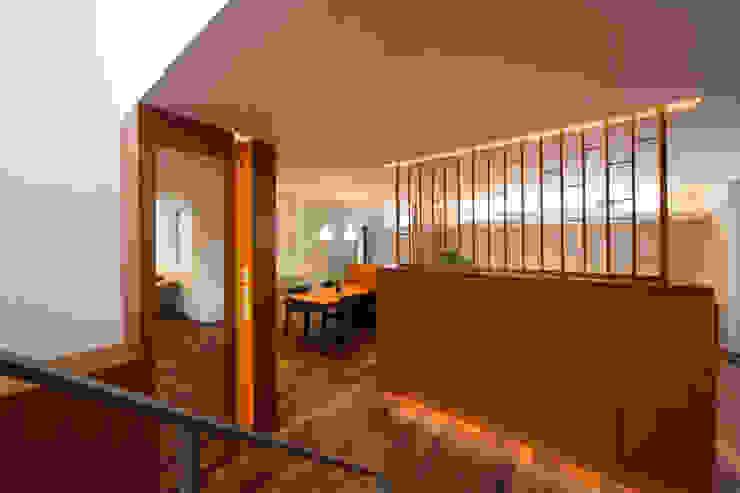玄関ホール モダンスタイルの 玄関&廊下&階段 の アーキシップス古前建築設計事務所 モダン