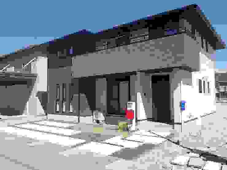 C様邸1: 山野興業 ガーデンスタイルなごみが手掛けた現代のです。,モダン