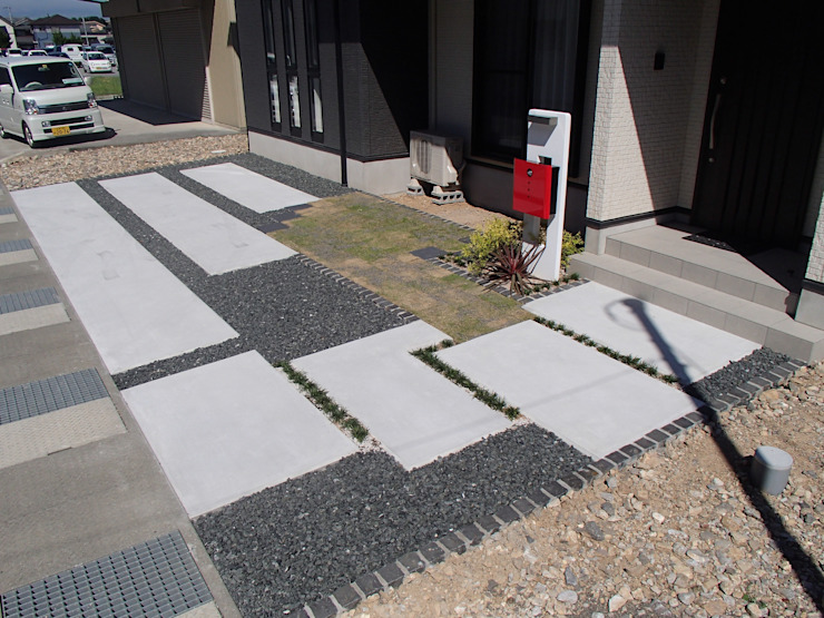 C様邸2: 山野興業 ガーデンスタイルなごみが手掛けた現代のです。,モダン