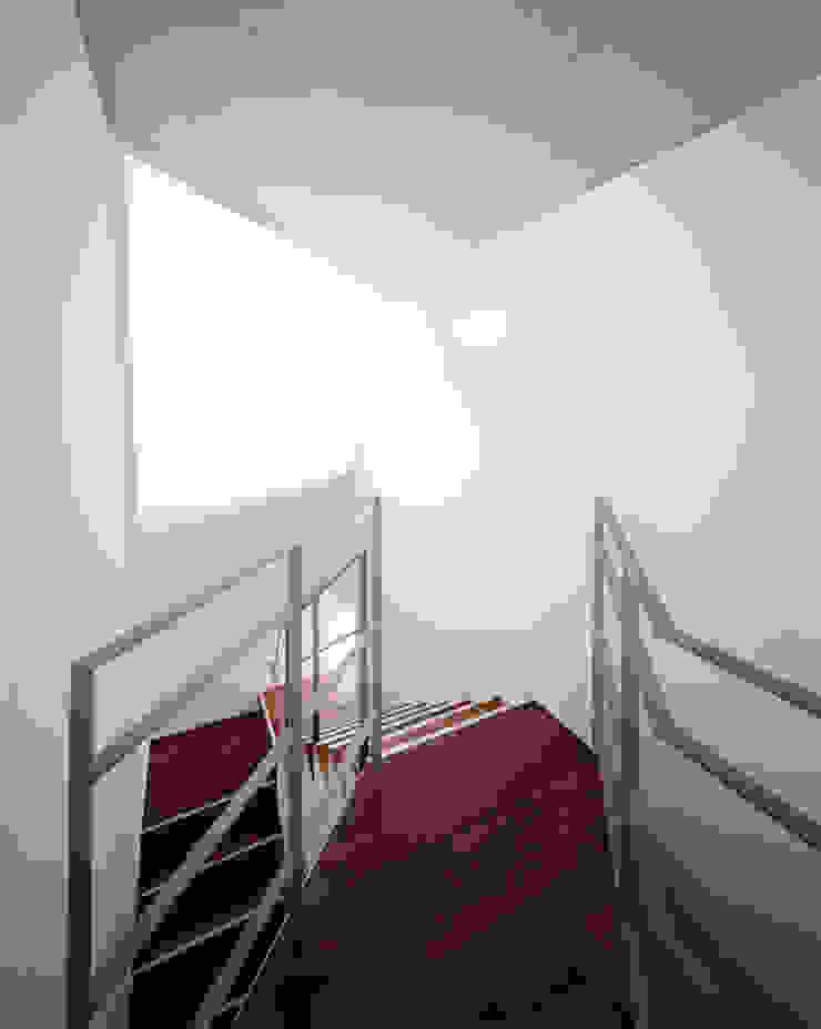 REI モダンスタイルの 玄関&廊下&階段 の かわつひろし建築工房 モダン