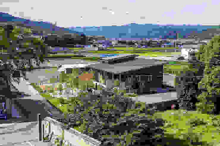 Casas de estilo moderno de エムアイ.アーキテクト Moderno