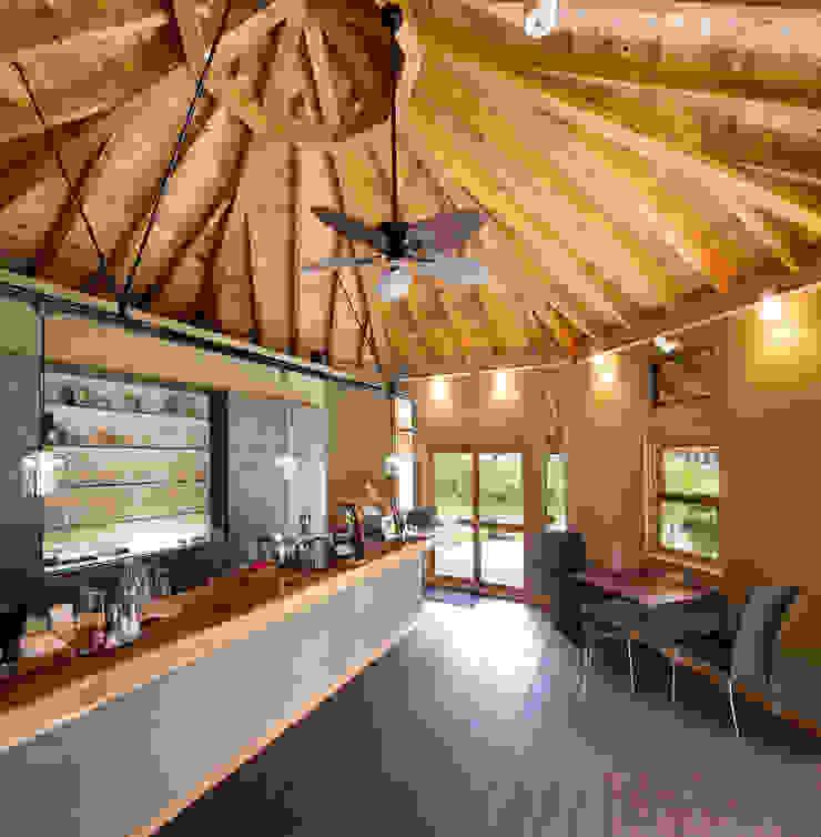 ひなた茶屋~雑木林の小さなカフェ~ オリジナルデザインの キッチン の 志賀建築設計室 オリジナル