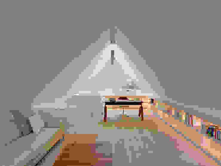 Oficinas y bibliotecas de estilo moderno de Möhring Architekten Moderno