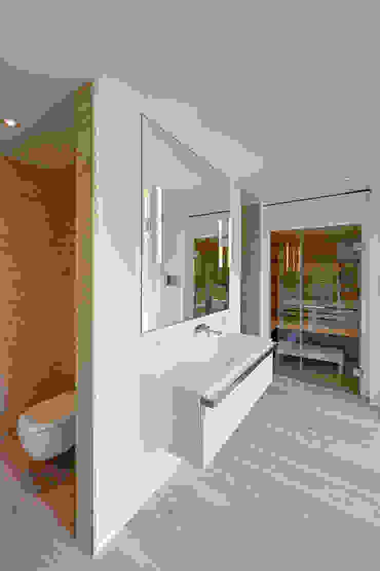 Baños de estilo moderno de Möhring Architekten Moderno